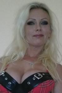 Vivian Schmitt Masturbiert
