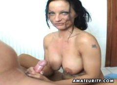 Putzfrau im Bad gefickt